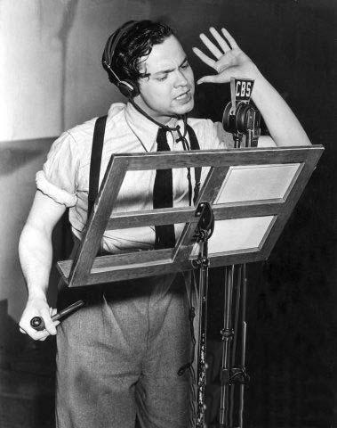 Orson Welles in diretta dalla battaglia umani-marziani