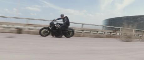 Captain America - The Winter Soldier - Cap sulla moto